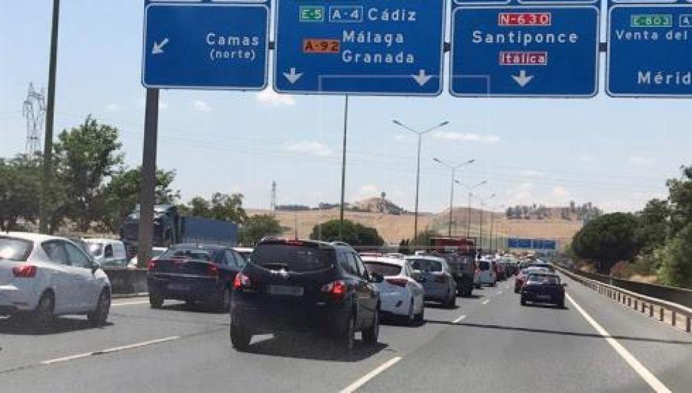 En la imagen una carretera en la operación salida