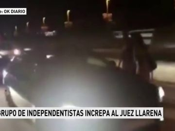 Un grupo de independentistas acosa al juez Pablo Llarena, instructor de la causa contra los políticos presos del 'procés'