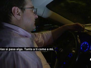 """""""Ten cuidado en la T4, avisa si necesitas algo"""", así es la jornada de un conductor VTC en Madrid durante la huelga de taxistas"""