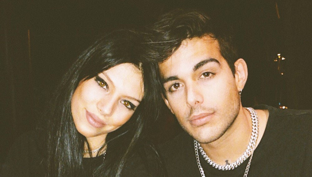 Alejandra Rubio junto a su novio