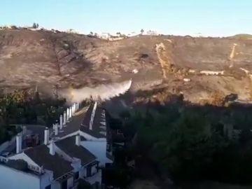 Al menos 400 personas son desalojadas por un incendio forestal en la localidad malagueña de Manilva