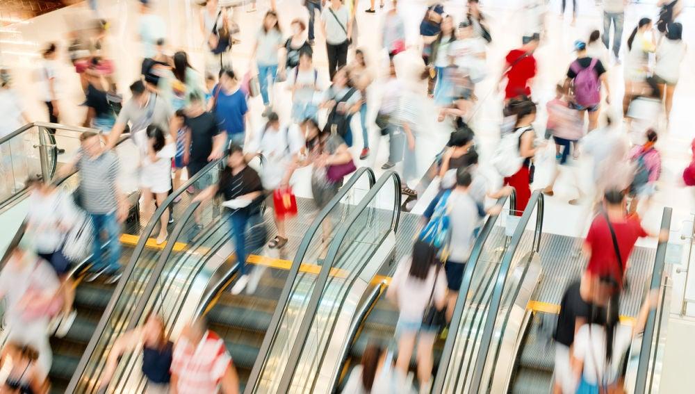 Miles de pasajeros utilizan cada día el metro