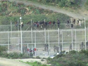 Al menos 400 menores de edad huyen de un albergue de Granada