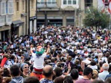 Cientos de personas en las fiestas de Vitoria
