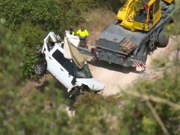 Noticias 2 Antena 3 (10-08-18) Libertad bajo fianza para el conductor del coche que cayó a un pantano de Cuenca con una mujer en el interior