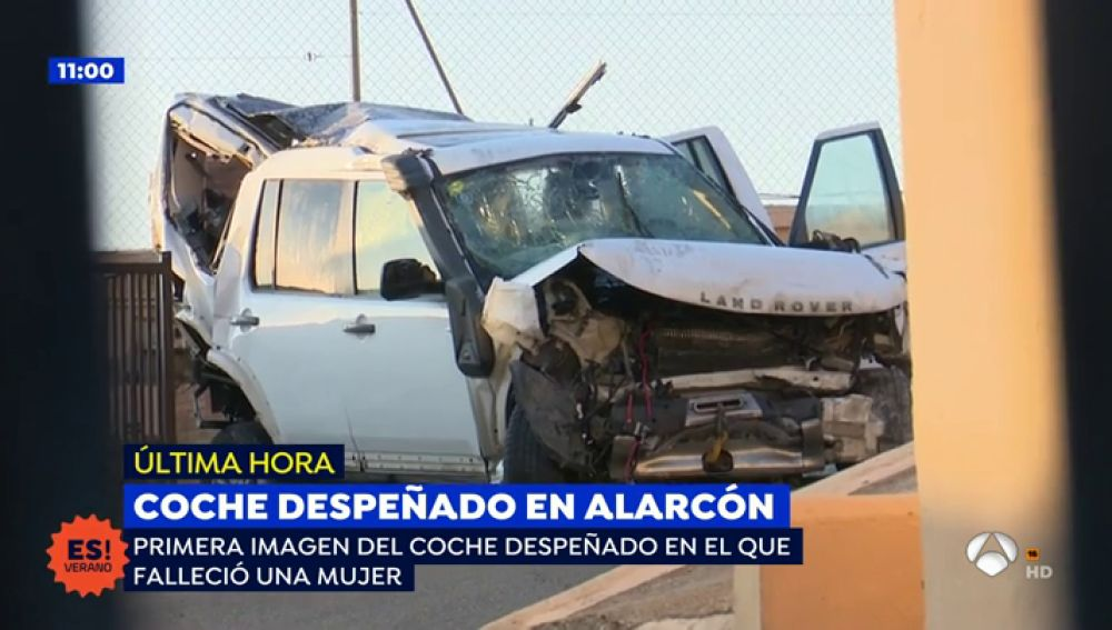 Así quedó el coche despeñado en el pantano de Alarcón
