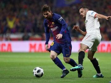 Messi y Sarabia durante un partido