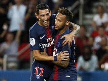Neymar se abraza a Di María