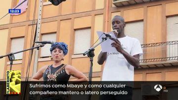 La policía local de Lavapiés quiere interponer una denuncia a la asociación de Manteros y Lateros por el pregón de las fiestas