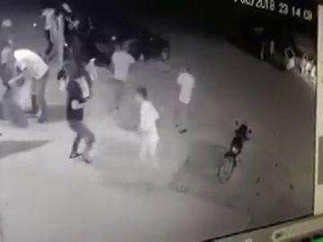 Una cámara de seguridad capta el momento en el que ejecutan a una joven de 24 años en su fiesta de cumpleaños
