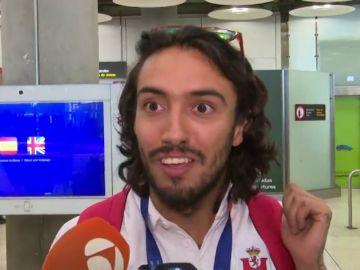 """Los atletas españoles aterrizan en Madrid tras los Europeos de Berlín: """"Un hombre puede levantar a un estadio de 60.000 personas"""""""