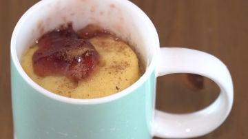 Riquísimo mugcake de rosquilla de azúcar.