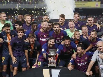 F.C Barcelona celebrando la Supercopa de España