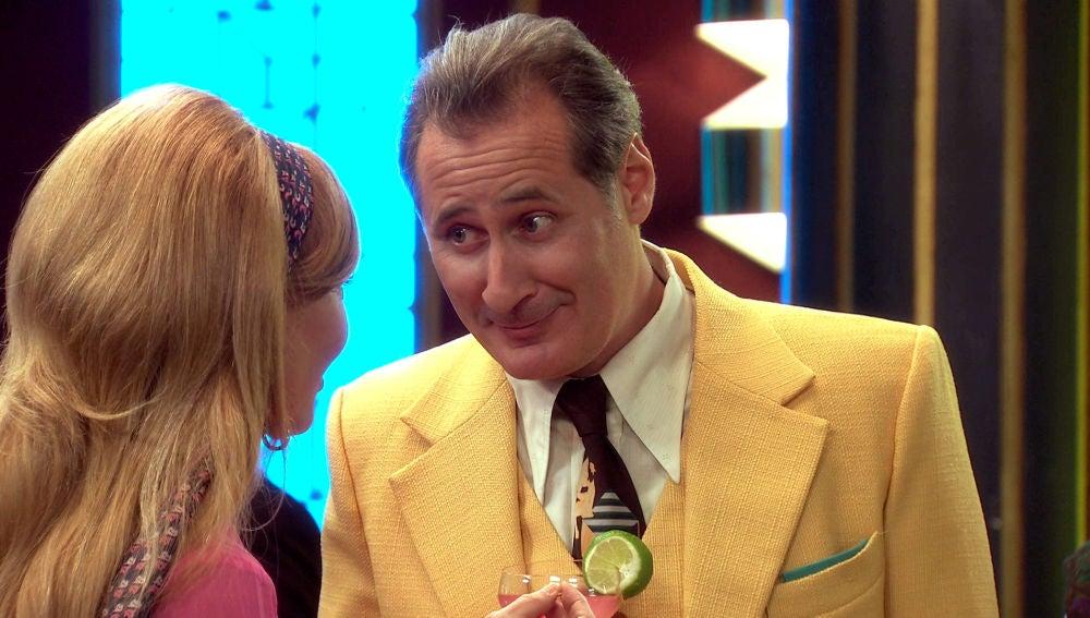 Pierre advierte a Mariola sobre la sospechosa relación entre Matilde y Azevedo