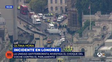 La ruta que el conductor realizó para estrellarse contra las barreras del Parlamento británico