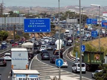 Retenciones de tráfico provocadas en la A-7 a la altura del nudo de Espinardo