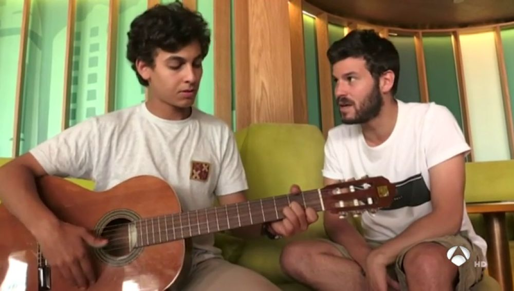 """Willy Bárcenas, cantante de Taburete: """"El público que viene a vernos no es tan diferente del que puede ir a ver a Leiva"""""""