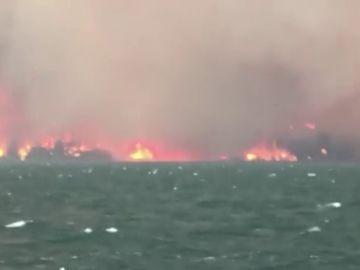 Un incendio forestal en Montana provoca la evacuación repentina de casi un centenar de personas