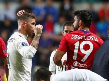 Diego Costa, con Sergio Ramos