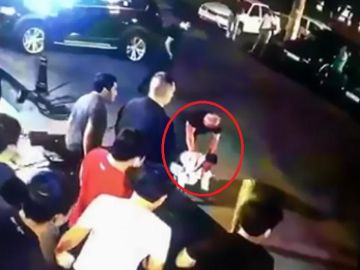 Matan a golpes en plena calle a Jamshid Kenzhayev, campeón de MMA y lucha libre