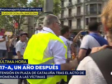 Tensión en Plaza de Cataluña tras el homenaje a las víctimas