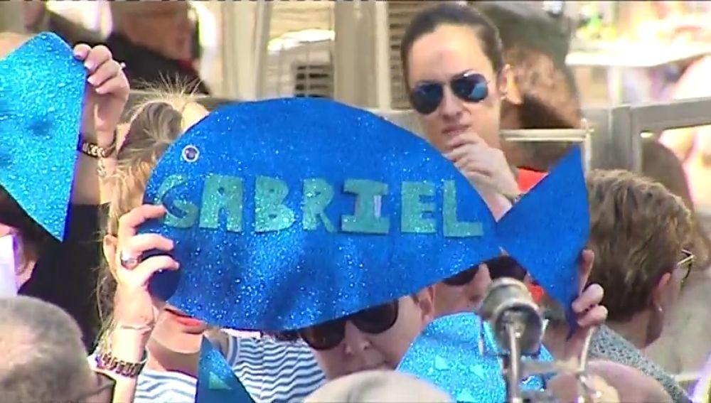 """La emotiva carta de despedida de los padres de Gabriel a su hijo en el día de su incineración: """"El mar será tu nueva casa"""""""