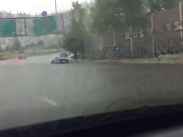 Las fuertes precipitaciones causan un herido por un rayo en Reus e inundaciones en gran parte de Cataluña