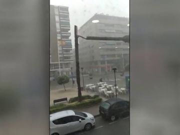 Fuertes tormentas recorren el litoral valenciano provocando inundaciones en Alicante y Benidorm