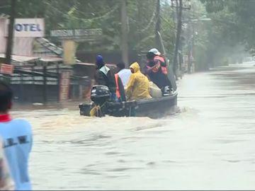 Lluvias monzónicas en el sur de la India causan 324 muertes