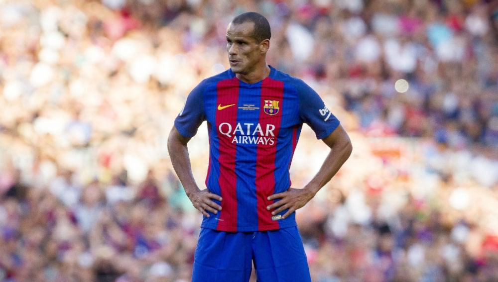 Rivaldo, en un partido con las leyendas del Barcelona