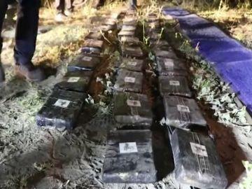 Encuentran un autobús en Ecuador que llevaba en su interior media tonelada de marihuana