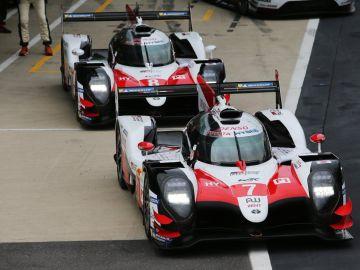 Los dos Toyota, en Silverstone
