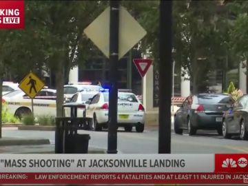 Primeras imágenes del tiroteo en una sala de videojuegos de Jacksonville