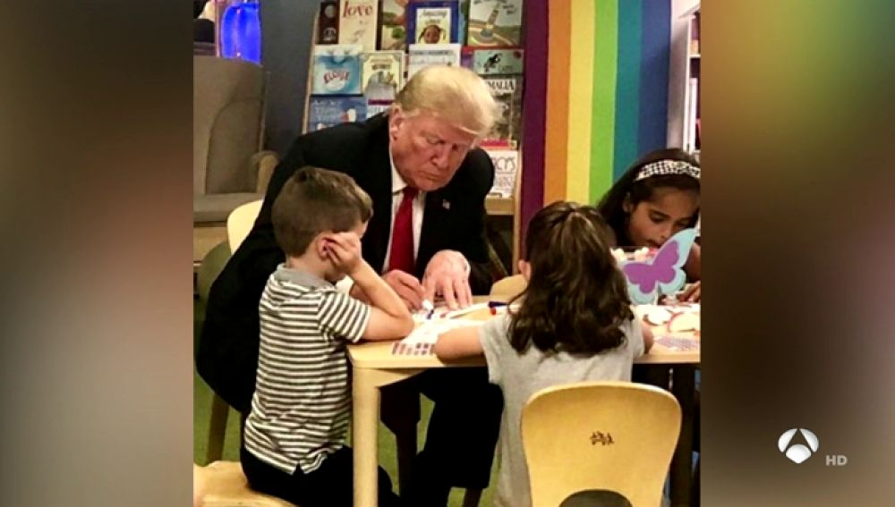 Pillan a Donald Trump pintando mal la bandera de EEUU
