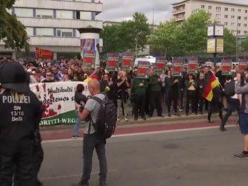 Segundo día de protestas de la extrema derecha tras la muerte de un joven apuñalado por un inmigrante en Alemania