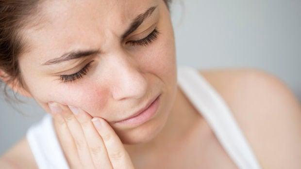 Presionar los dientes mientras se duerme