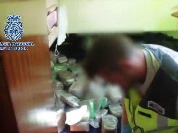 La Policía Nacional incauta un velero con 670 kilos de hachís en Ceuta