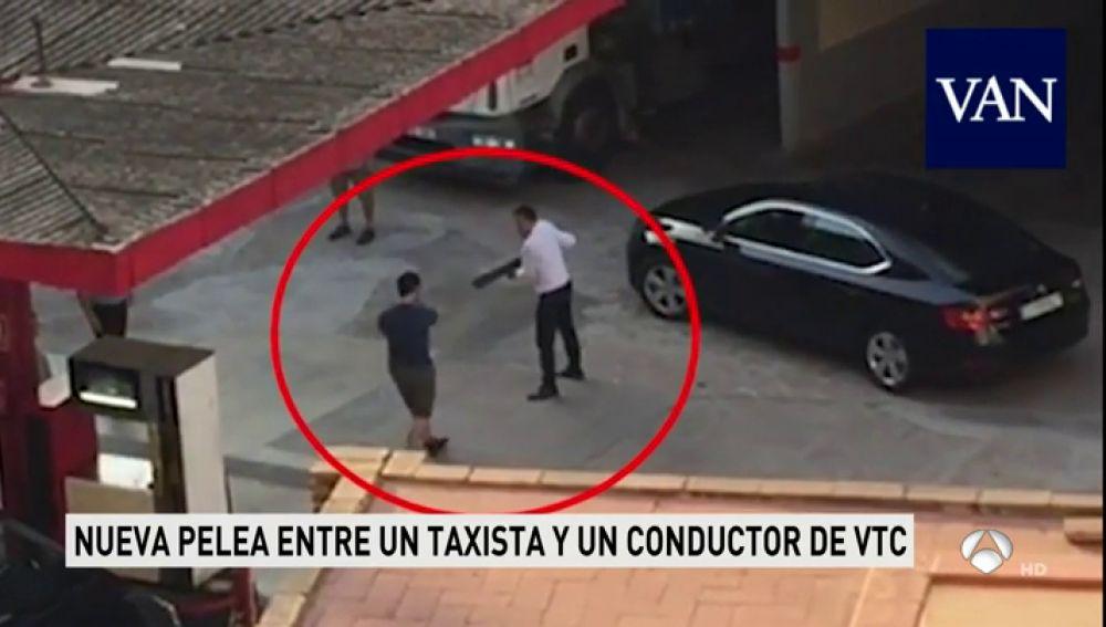Nueva pelea entre un taxista y un conductor de VTC