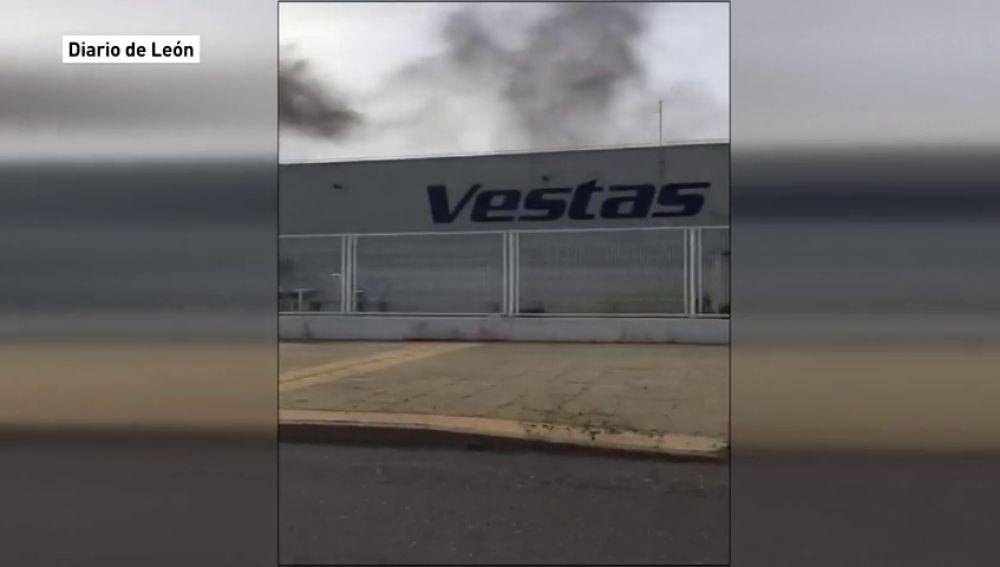 """Vestas anuncia el """"cierre total"""" de su planta en León"""