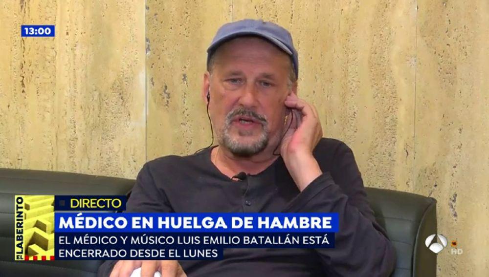 """El médico gallego en huelga de hambre: """"Feijóo tiene la culpa de la muerte de pacientes por falta de atención médica en Galicia"""""""