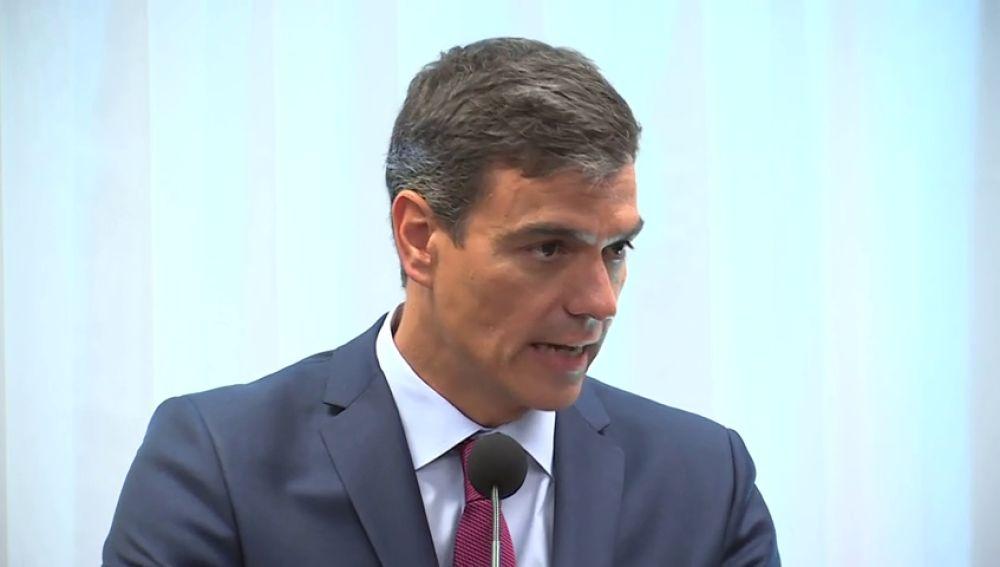 Sánchez urge a eliminar el voto rogado que dificulta la participación de los emigrantes españoles