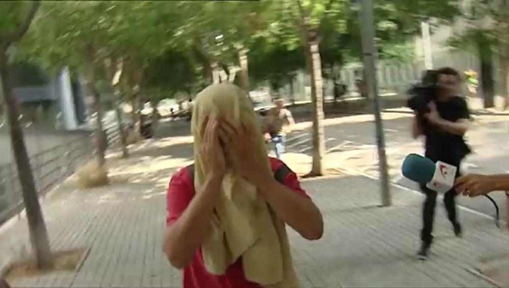 Queda en libertad con cargos el hombre que agredió a una mujer por retirar lazos amarillos en Barcelona
