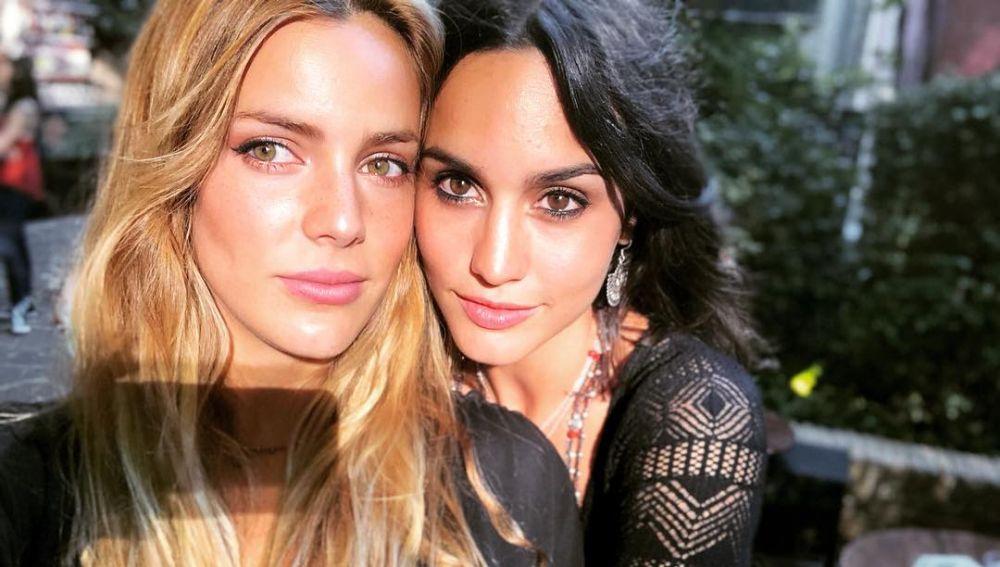 Megan Montaner y Alejandra Onieva, una amistad que perdura desde 'El secreto de Puente Viejo'