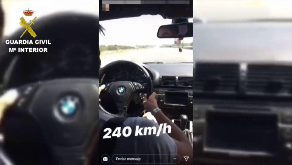 Identifican a un joven tras alardear en las redes sociales de conducir a 240 kilómetros por hora
