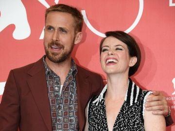 El actor canadiense Ryan Gosling y la actriz británica Claire Foy