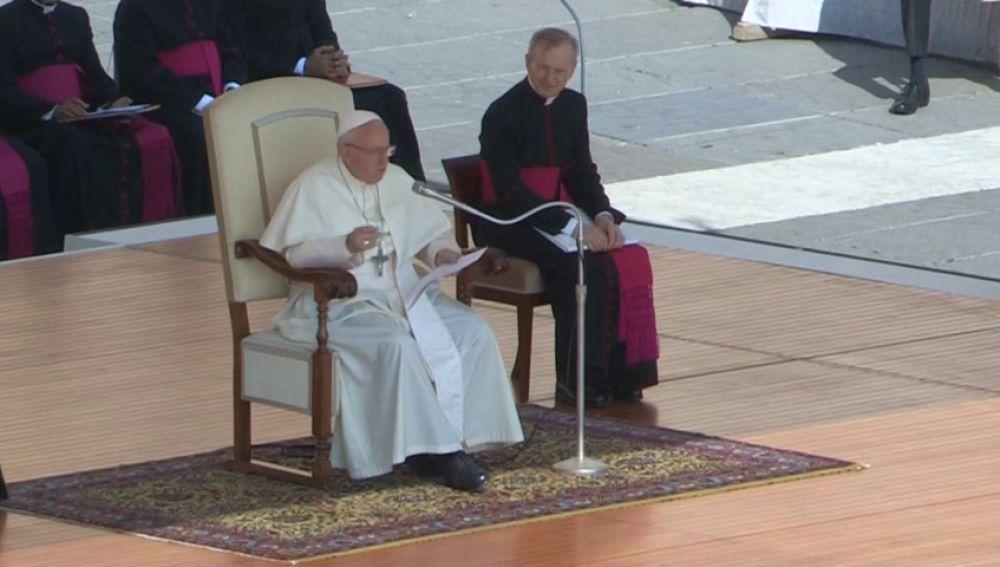 """El Papa dice que el divorcio """"es una moda"""""""