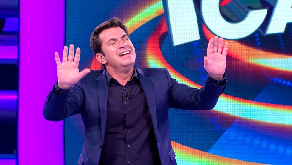 Arturo Valls se queda sin aliento dedicando '¡Ahora Caigo!'