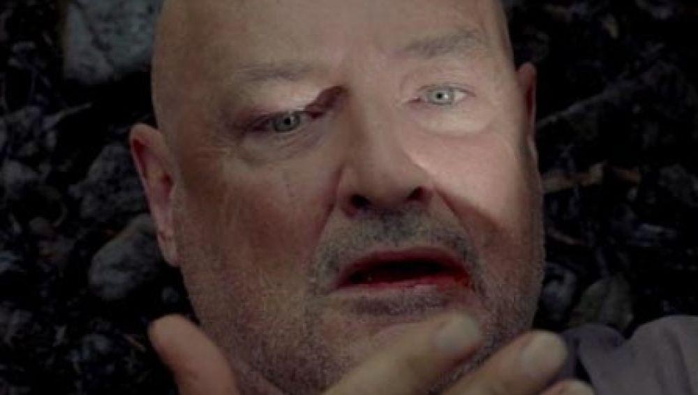 Escena Acantilado 'Perdidos' John Locke