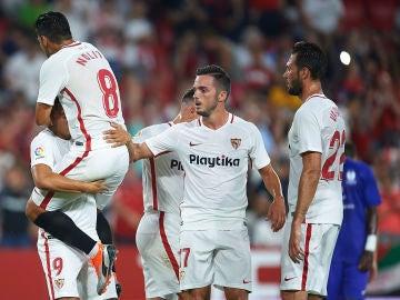 Los jugadores del Sevilla celebran uno de los goles contra el Sigma Olomouc