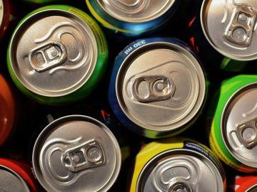 El gobierno británico estudia prohibir la venta de bebidas energéticas a niños